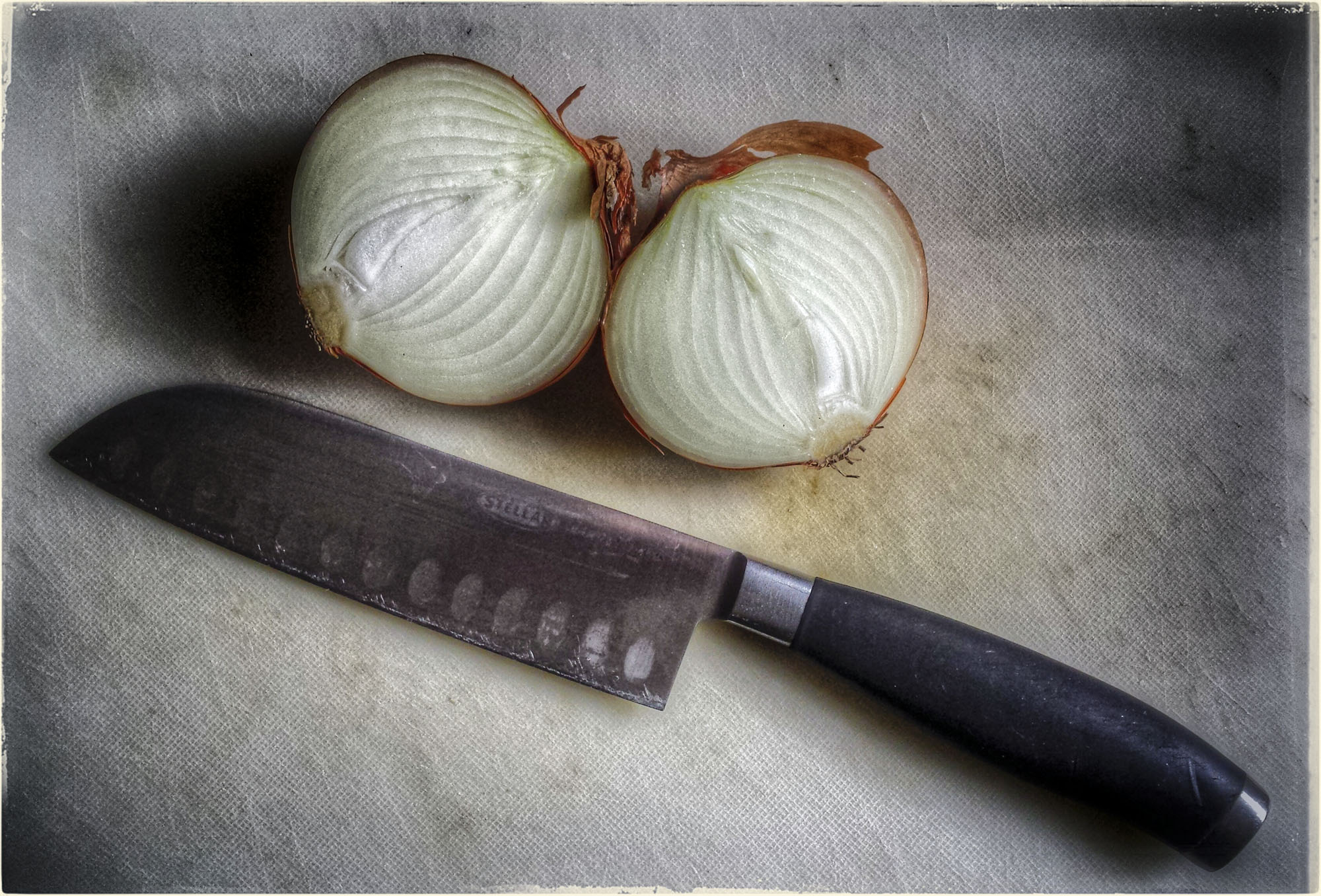 Knife with Onion